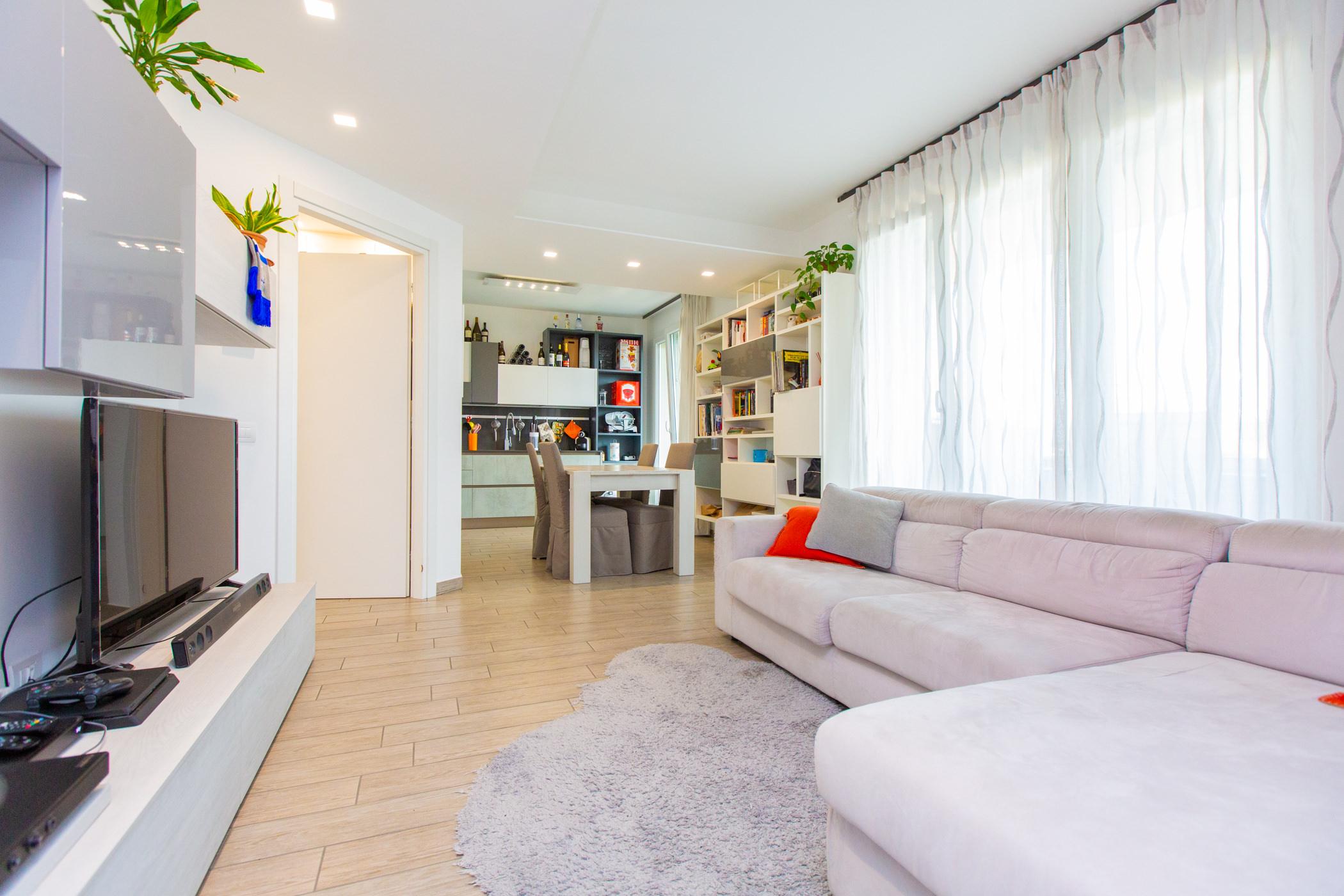 Recente appartamento con terrazzo, box e cantina