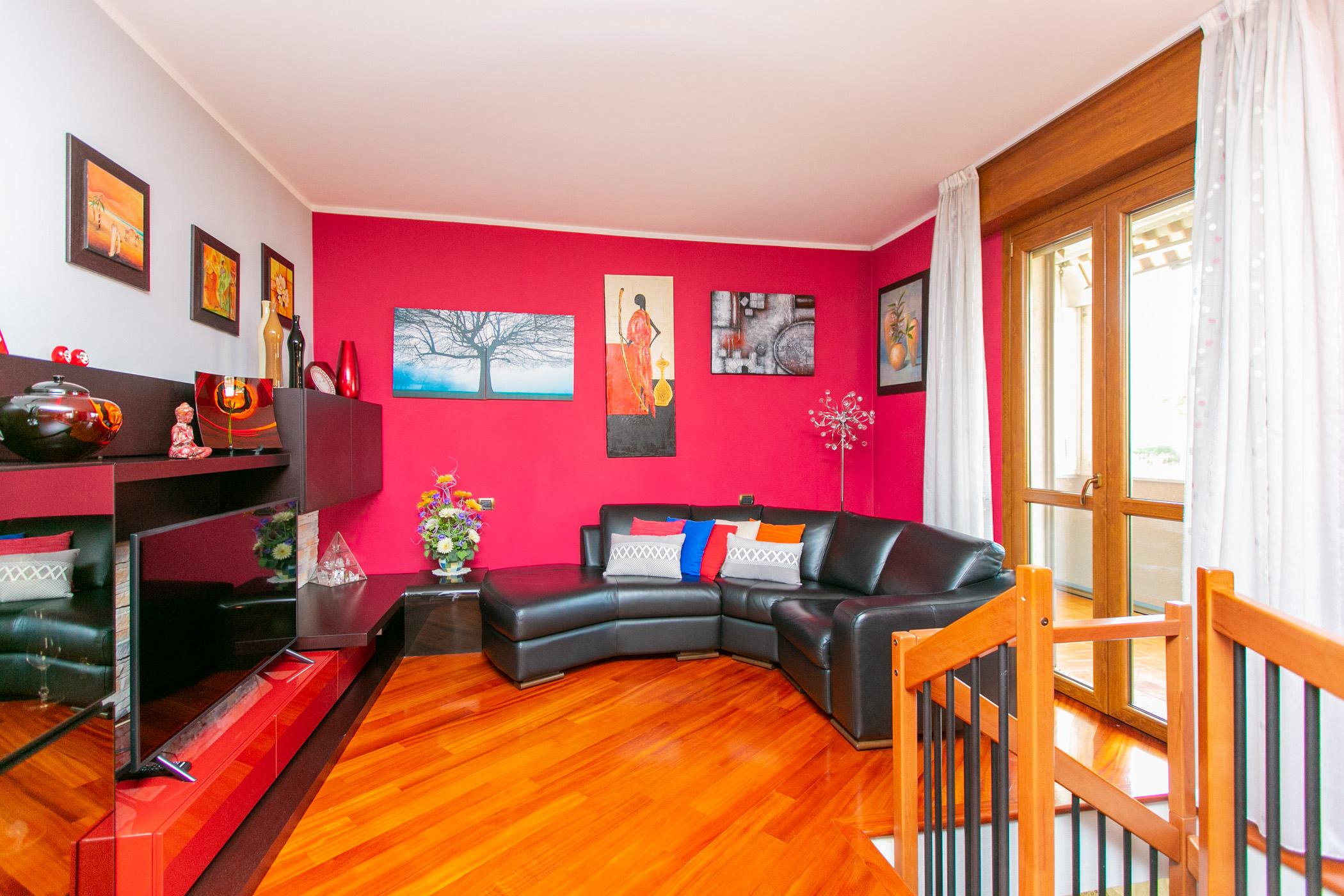 Appartamento con terrazzo e box