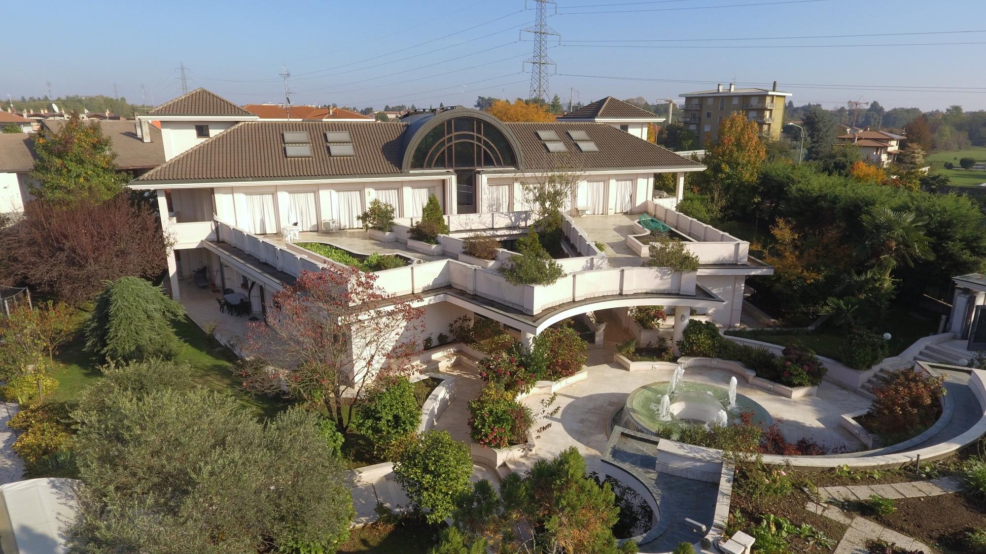 Villa con Parco Privato